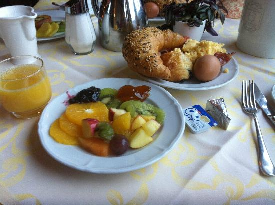 Hotel Spinne: 早餐