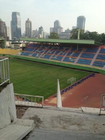 Yuexiu Mountain Stadium : 越秀公园下的