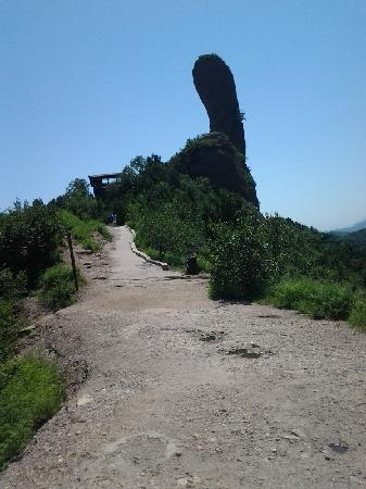 Chengde Qingchui Mountain (Hammer Rock): 好看