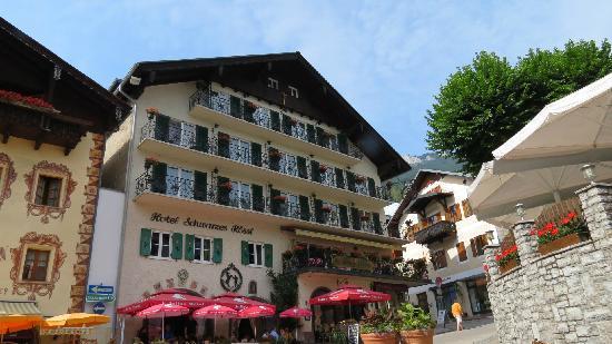 Hotel Schwarzes Rössl: 酒店外观