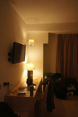 Vintage Hotel Rome: 酒店客房2