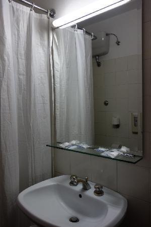 Albatros Hotel: 酒店客房卫生间2