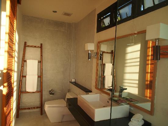 The Mangrove Panwa Phuket Resort : 浴室