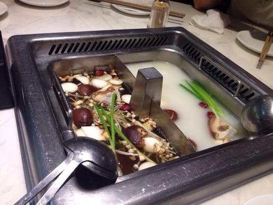ShangHai Haidilao Hot Pot Dian (BeiJing West Road): 海底捞