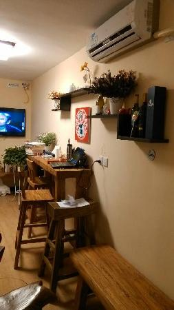 Alborada Hostel: 客栈的活动室。。。个人觉得很有质感
