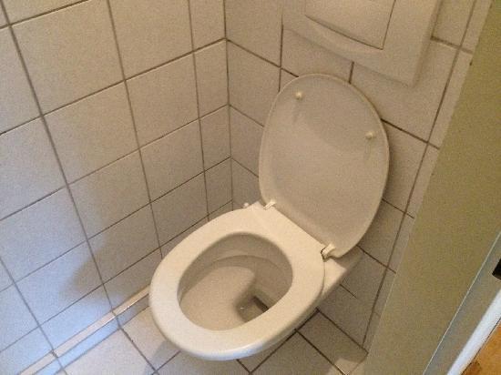Pension Stoi: 洗手间
