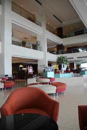 Richmond - the Stylish Convention Hotel : lobby