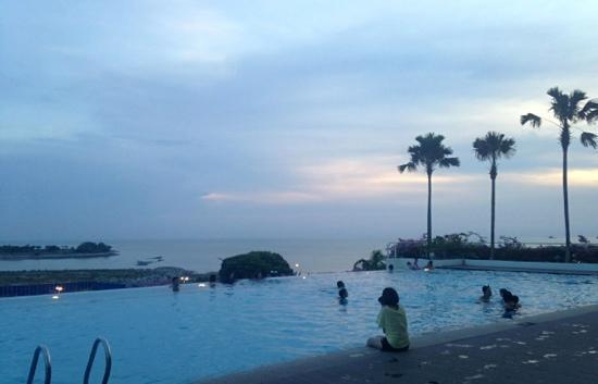 Holiday Inn Melaka: v