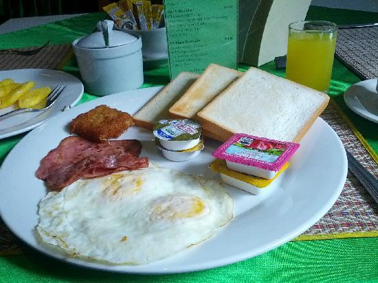 Parklane Hotel : 丰盛的早餐