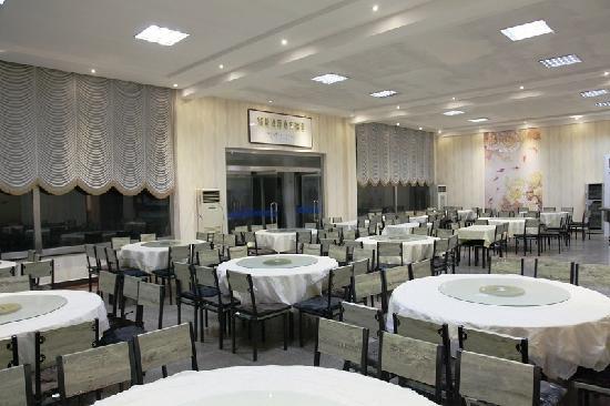 Qianshuiwan Hongxiang Hotel: 标间
