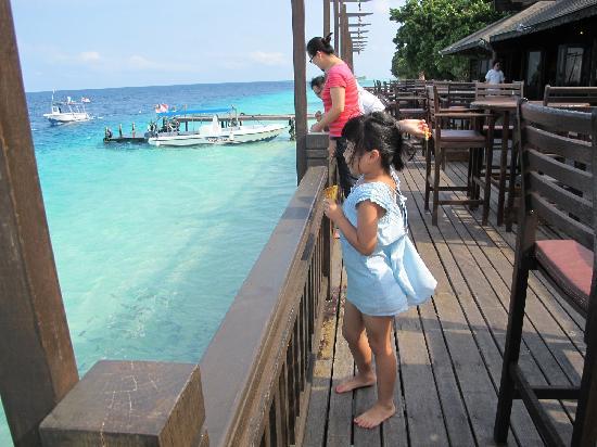 The Reef Dive Resort: 卧室还不错吧