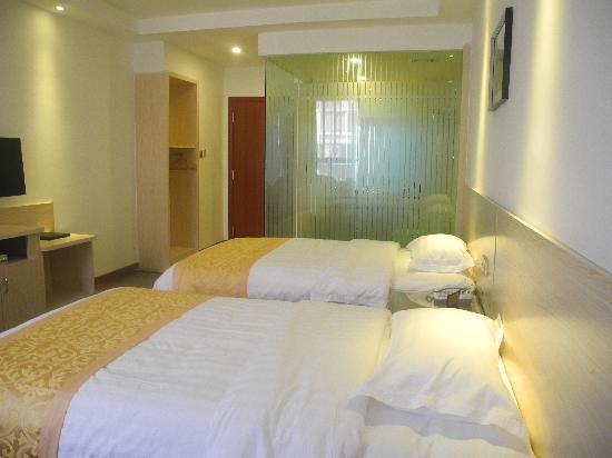 Sanyi Chain Hotel