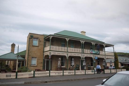 Richmond Arms: t
