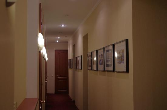 Nevsky Contour Hotel: 走廊