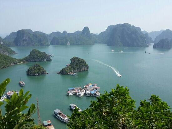 Bai Tu Long Bay: 180度观下龙……天堂岛