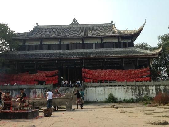 Lizhuang Ancient Town: q