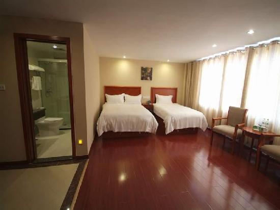 GreenTree Inn Rizhao Bus Terminal Station Business Hotel: 客房
