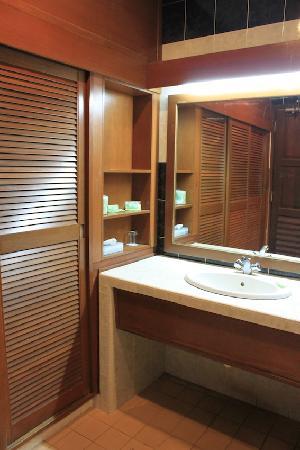 Kampung Tok Senik Resort Langkawi : washroom