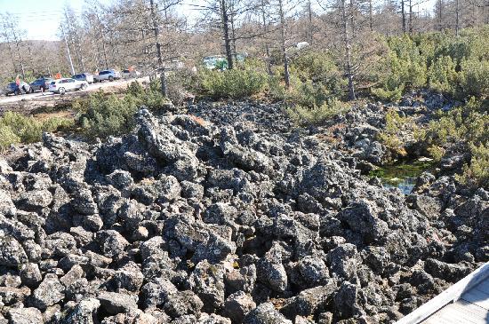 Sitanglin Geological Site: 翻花石头