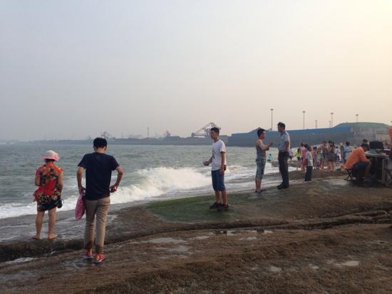 Rizhao Beach Area: 日照海滩风景