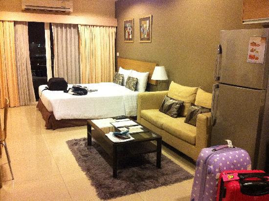 Vivarium Residence: 房间,从门口看去