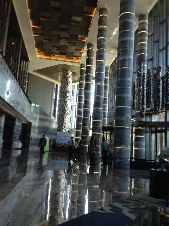 Renaissance Guiyang Hotel: 大厅