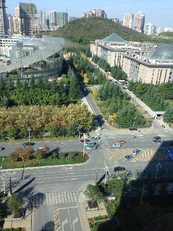 Renaissance Guiyang Hotel: 从窗外看