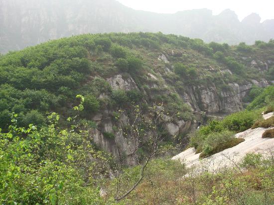 Miyun Jiulong Shiba Pond