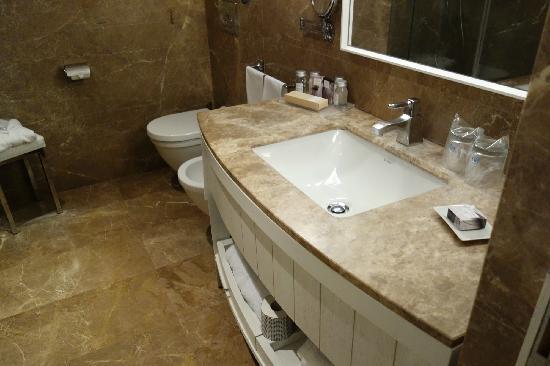 NH Collection Grand Hotel Convento di Amalfi : 2,浴室很宽敞