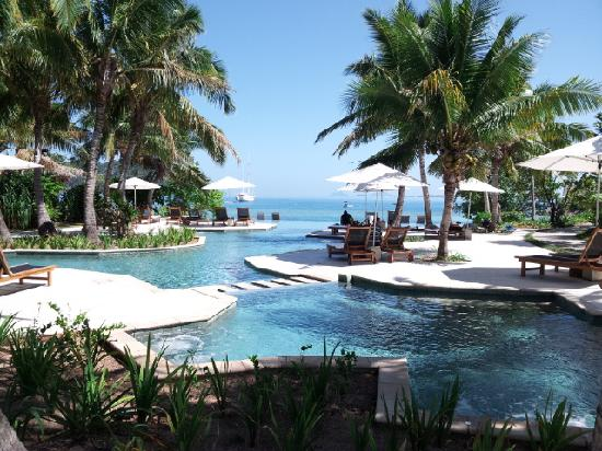Likuliku Lagoon Resort: LIKULIKU 泳池