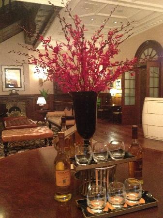 The Orignal Site of Astor Hotel: 百年酒店lobby