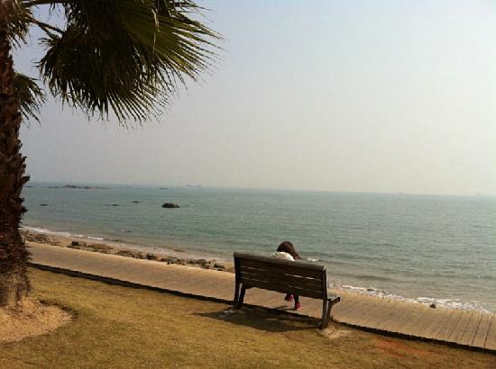 Baicheng Beach: 2