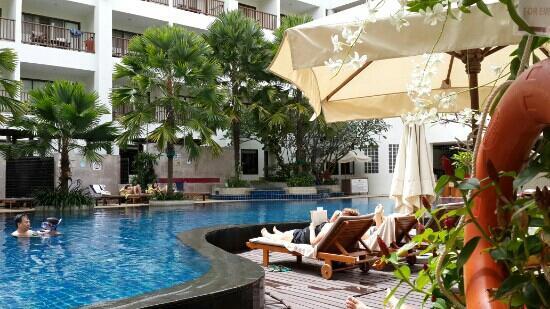 Deevana Plaza Phuket Patong: 泳池