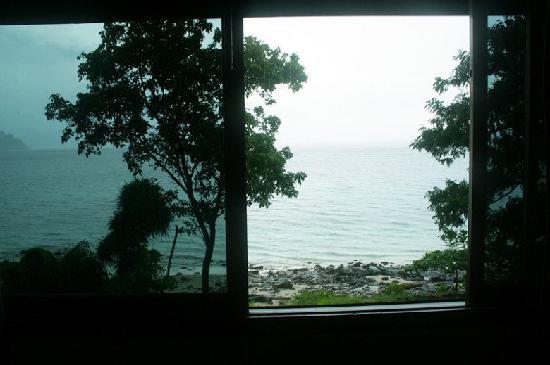 Phi Phi Natural Resort : 海景房望出去