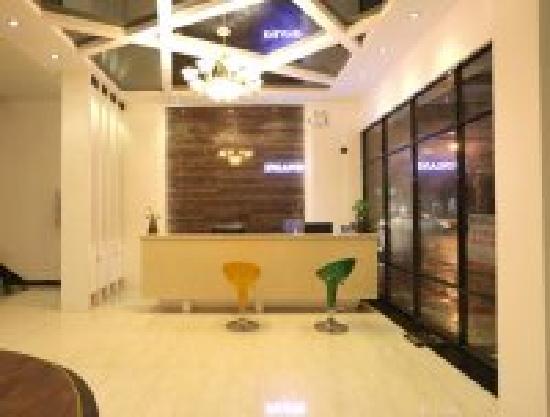 Yilu Business Hotel