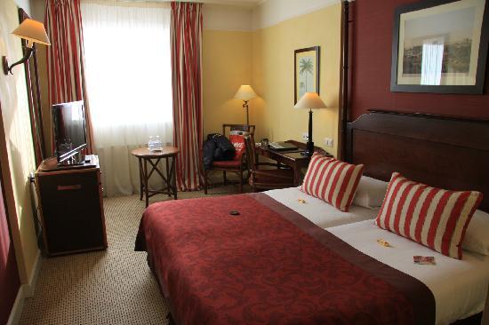 Hotel Kipling - Manotel Geneva: 卧室