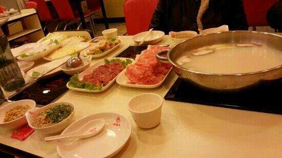 Tongdelai Hot Pot (Hong Lou)