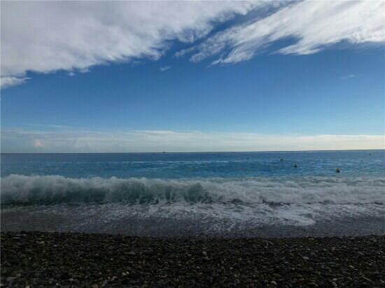 Blue Beach: 蔚蓝海岸