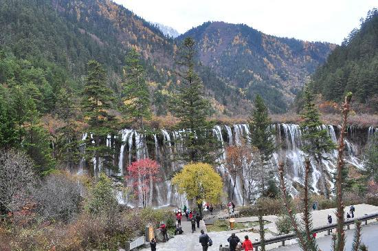 Nuorilang Waterfall: 2013年11月4日,多彩的秋天!