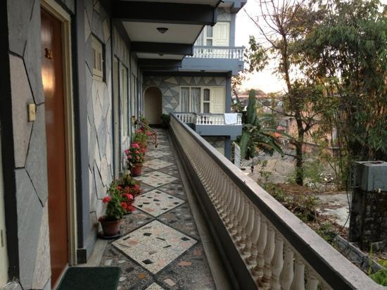 Hotel Grand Holiday: 窗含鱼尾雪山