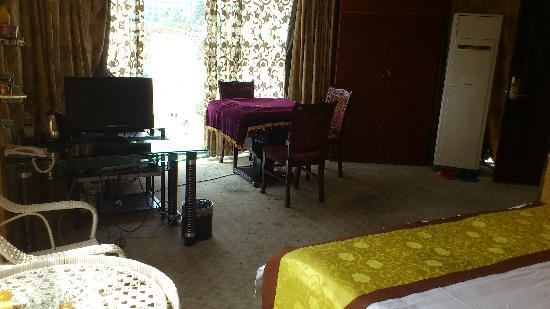 Chenglong Hotel: 客房内