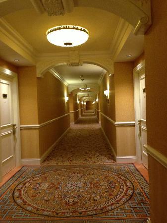 The Venetian Macao Resort Hotel: Hallway