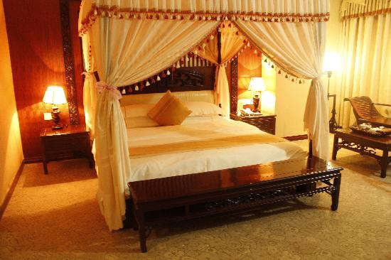 Dapeng Hotel: 豪华商务大床房