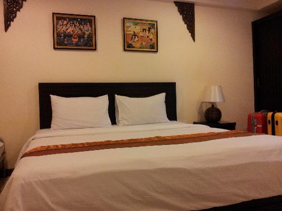 True Siam Phayathai Hotel : 房间大床
