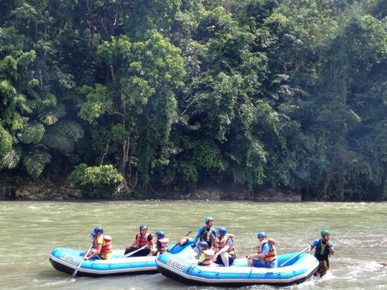 Kiulu River : 漂流不太刺激