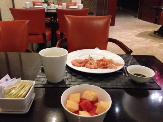 Beijing Marriott Hotel Northeast: 自助餐品种极少