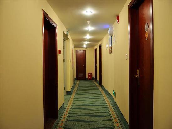 GreenTree Inn Wujiang Yunliqiao Business Hotel: 走廊