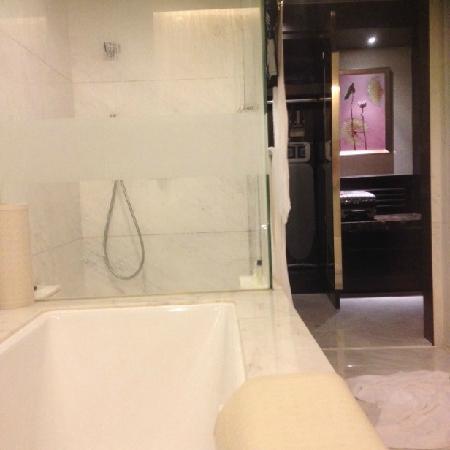 InterContinental Hotel Dalian: 浴室