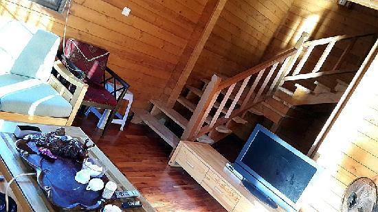 Shanhe Xiuxian Resort Mountain Villa: 楼梯