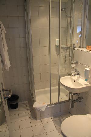 Sorell Hotel Rex: 洗手间